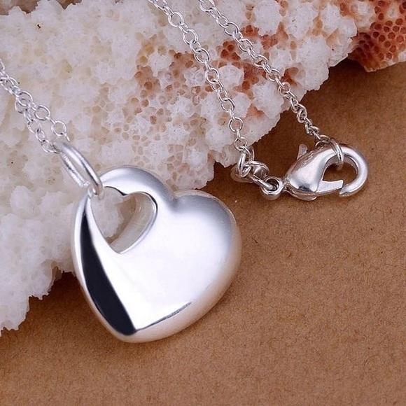 Jewelry - Simple Heart Necklace